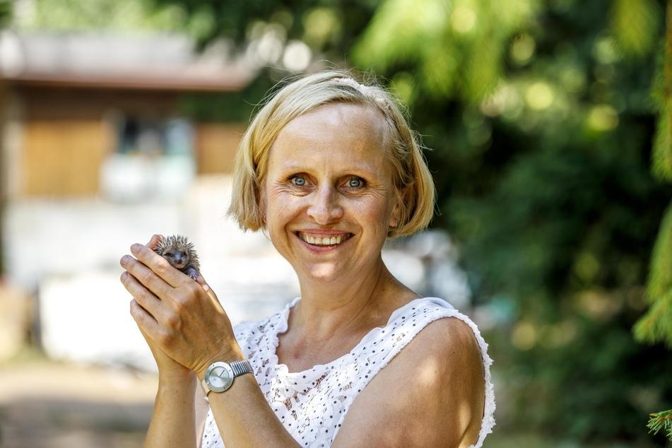 "Igel-Retterin Katrin Westerhausen (54) rechnet schon im August mit dem nächsten ""Mieterandrang""."