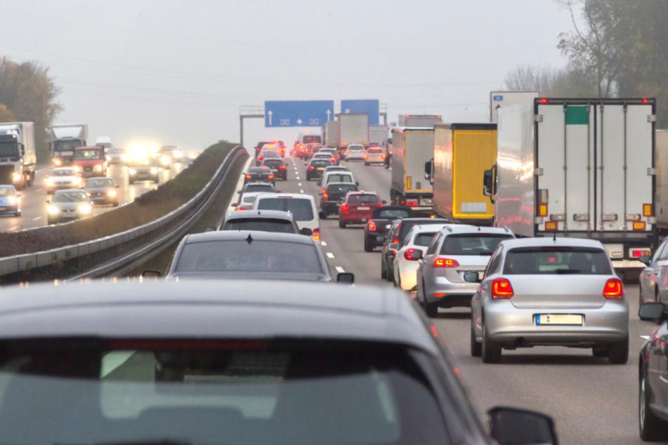 Wegen Corona-Einschränkungen: Weniger Stau auf Bayerns Autobahnen