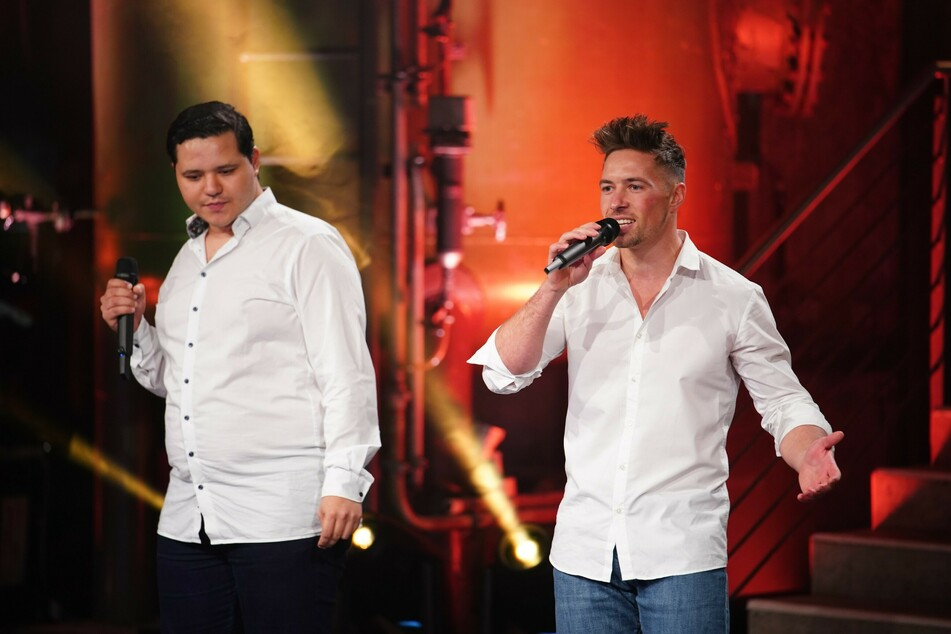 """Ramon Kaselowsky (r.) aus Nordsachsen hat souverän den Einzug in die Liveshows von """"Deutschland sucht den Superstar"""" geschafft."""