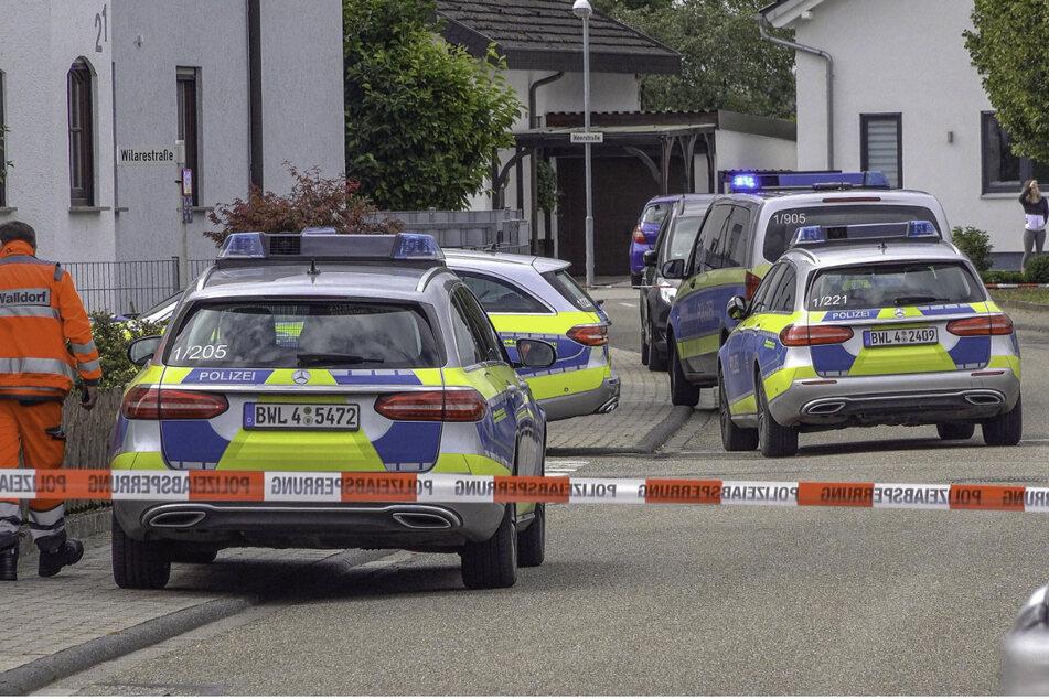 Zahlreiche Streifenfahrzeuge am Samstag in Ubstadt-Weiher.