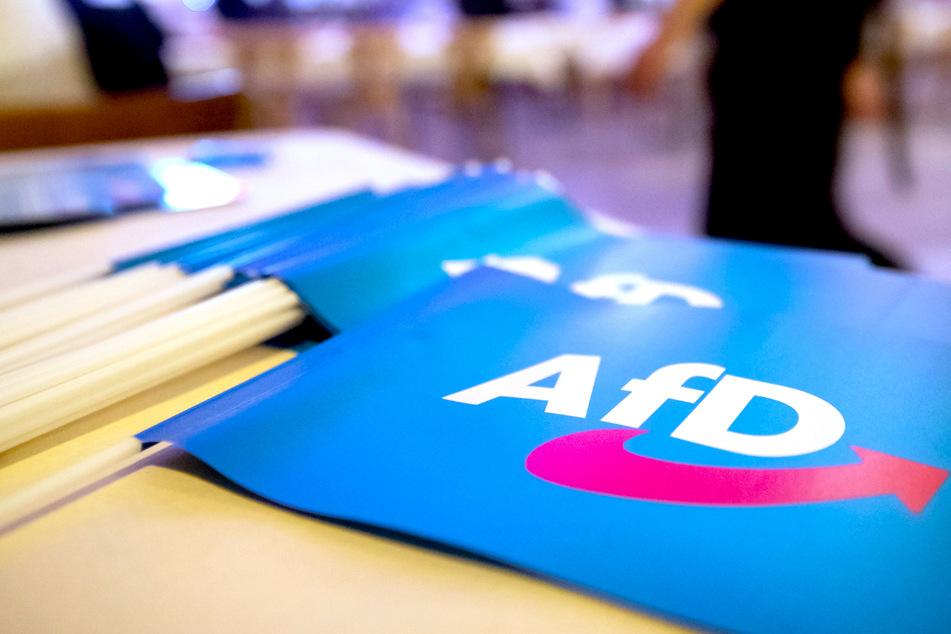 500 Teilnehmer, teilweise ohne Masken: AfD-Landesparteitag zur Bundestagswahl beginnt