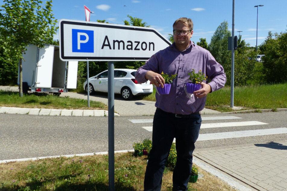 Unternehmer sucht vor Amazon mit ungewöhnlicher Aktion neue Mitarbeiter