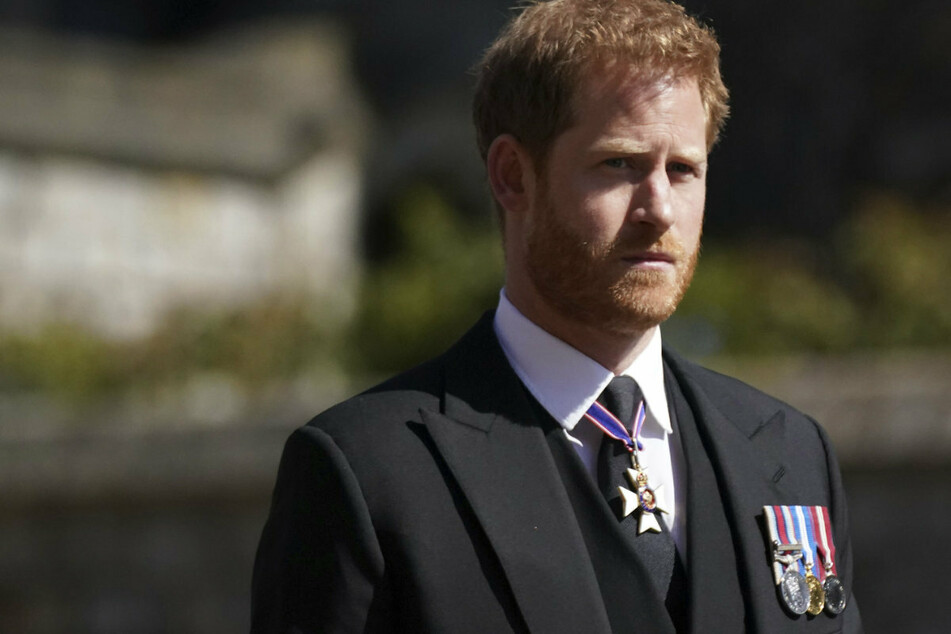 Prinz Harry immer noch in England! Kommt es jetzt endlich zur Versöhnung?