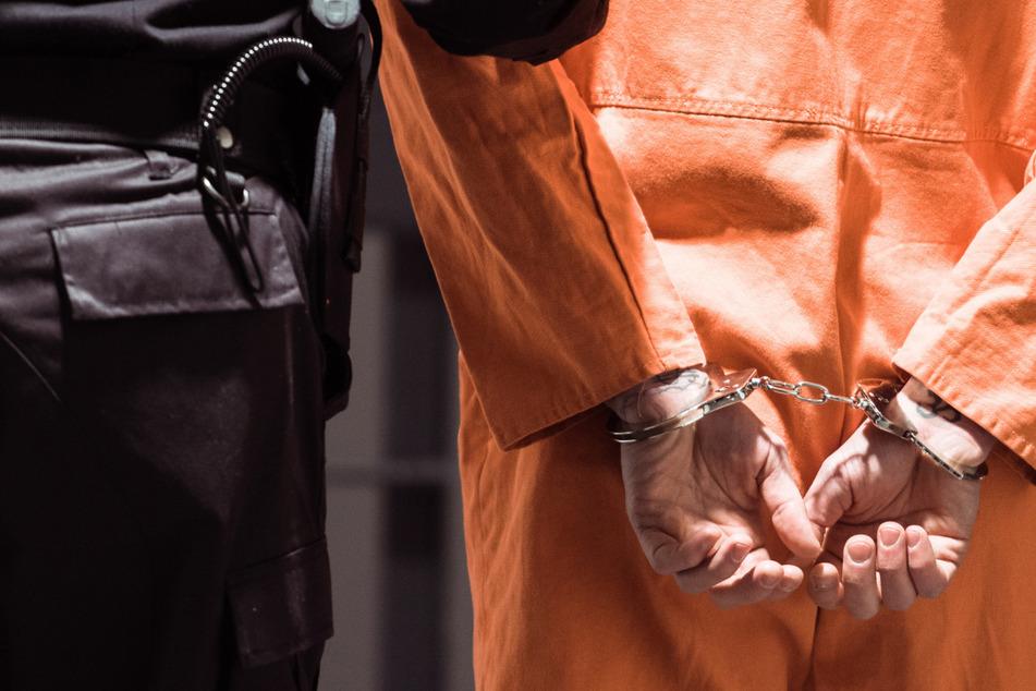 Zu Unrecht lebenslänglich verurteilt: Mann kommt nach 37 Jahren aus dem Gefängnis