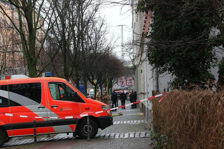 Die Feuerwehr musste am Freitag zu einem Wohnungsbrand in Berlin-Rummelsburg ausrücken.