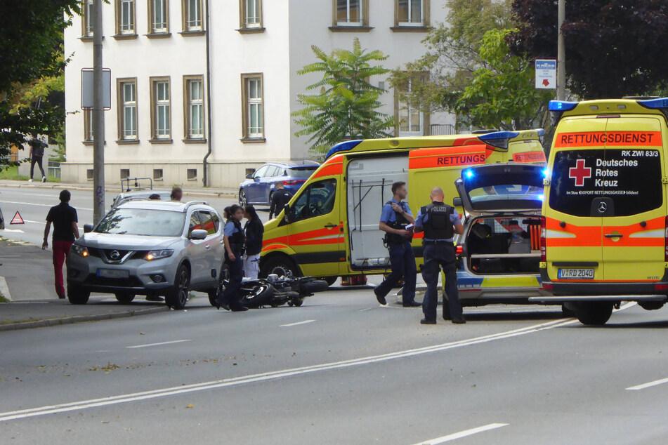 Am Dienstagmittag kam es auf der Reichenbacher Straße zu einem Unfall mit mehreren Beteiligten.