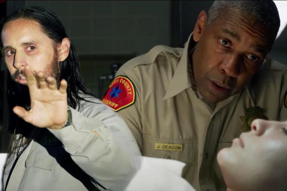 """Ist Albert Sparma (Jared Leto, l.) wirklich der Killer? Oder befindet sich Kern County Sheriff Joe """"Deke"""" Deacon (Denzel Washington, M.) auf der falschen Fährte?"""