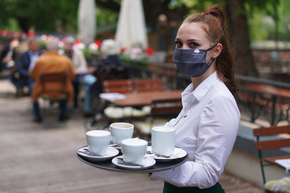 Ab Freitag vor Pfingsten dürfen Cafés und Restaurants im Freien wieder Gäste bewirten, sofern die Inzidenz unter der 100er-Marke liegt.