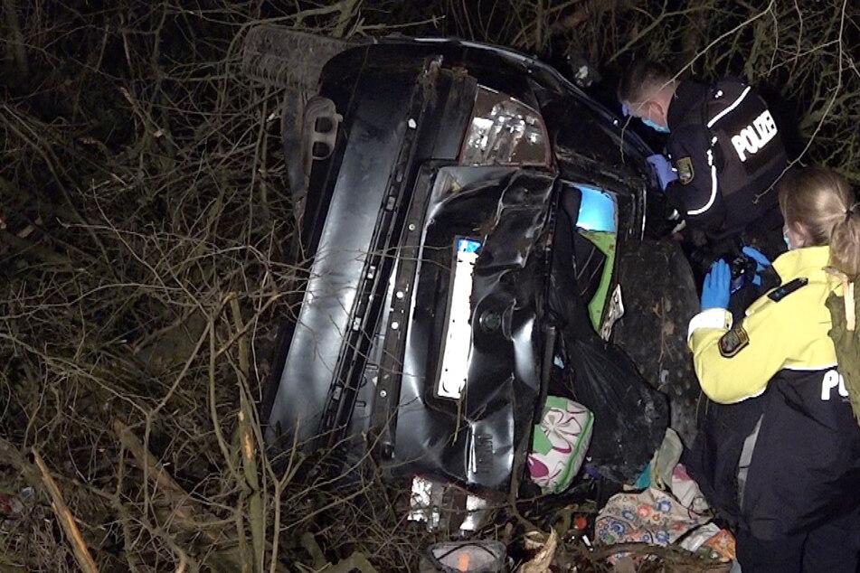 Unfall auf der A2: Auto rauscht durch Wildzaun ins Gebüsch