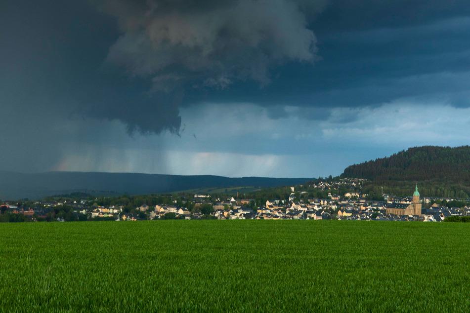 Kurze Unterbrechung des Sommerwetters: Am Dienstag drohen in der Region Gewitter, am Mittwoch gehen die Temperaturen in den Keller.