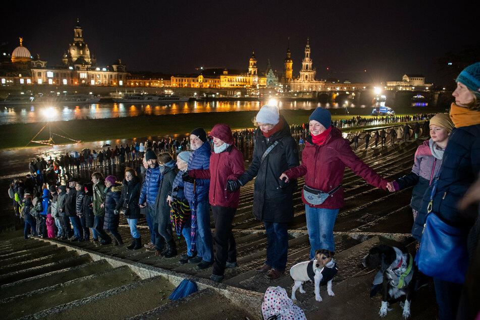 In diesem Jahr soll die Menschenkette, die an die Zerstörung Dresdens im Zweiten Weltkrieg erinnert, virtuell gebildet werden.