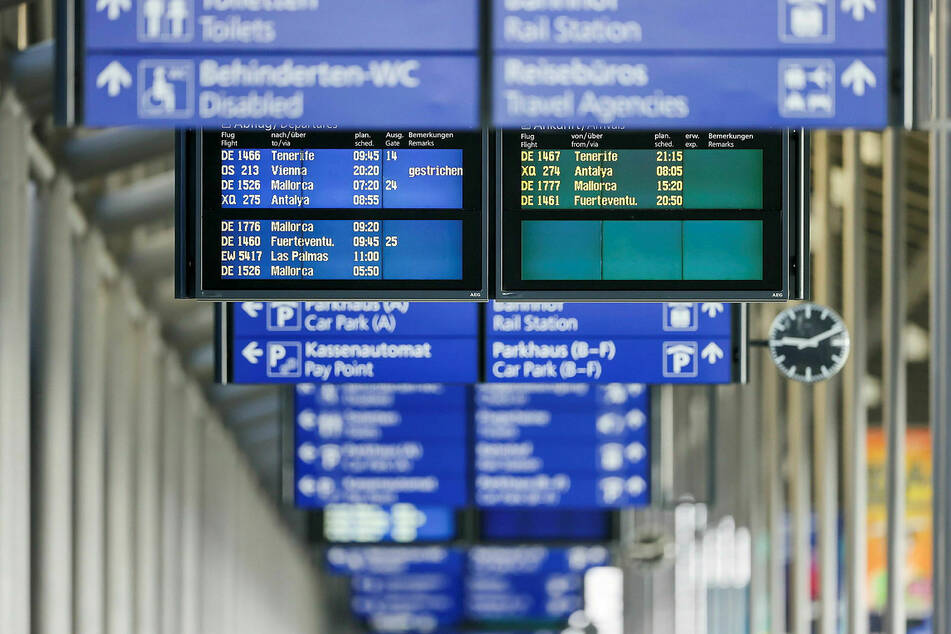 Zwischen Donnerstag und Sonntag hoben und heben 102 Flugzeuge von den Flughäfen Leipzig/Halle und Dresden ab. Die Reiselust ist ungebrochen. (Archivbild)