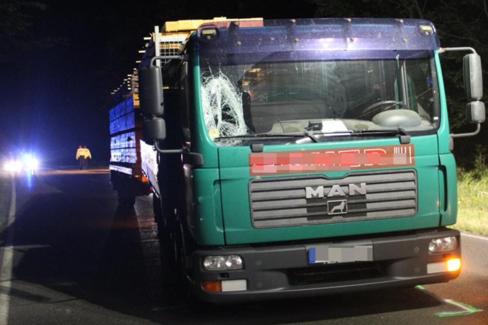 Fußgänger von Lastwagen erfasst und tödlich verletzt