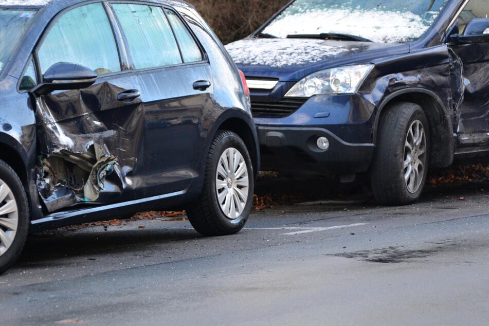 Leipzig: Beschwipste Spritztour: 26-Jährige demoliert parkende Autos