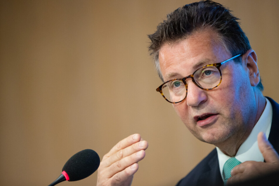Horrende Schlachthof-Situation: PETA fordert Rücktritt von Minister Hauk!