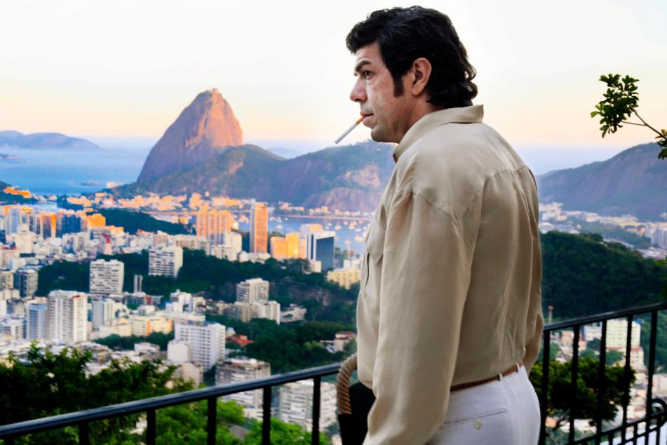 Tommaso Buscetta (Pierfrancesco Favino) erkennt die Zeichen der Zeit und wandert von Italien nach Brasilien aus.