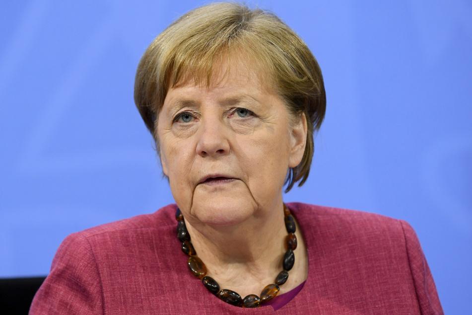 Kanzlerin Angela Merkel (66, CDU) eröffnet das Zentrum um 15 Uhr.
