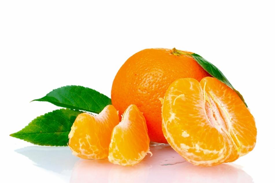 Die Mandarine lässt sich zwar leichter schälen, ist dafür aber nicht so lang haltbar.