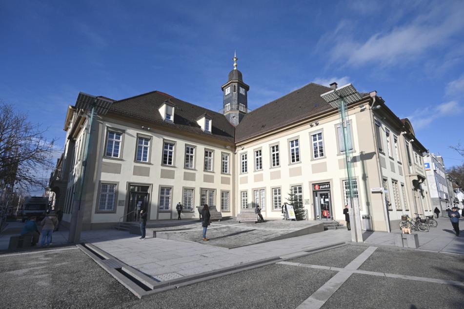 Das Rathaus von Göppingen. In der Stadt müssen die Corona-Lockerungen wieder zurückgenommen werden.