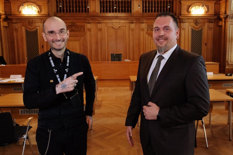 Tattoo für Polizisten: Dr. Mark Benecke bei der Verhandlung in Leipzig