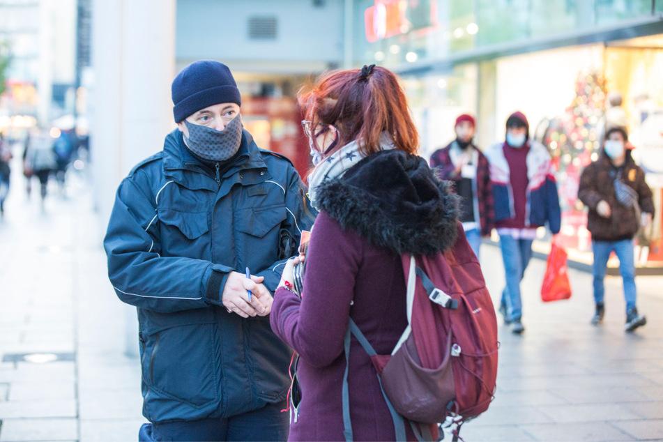 Schon im letzten Jahr kontrollierte das Ordnungsamt die Maskenpflicht. Teils gab es dabei kuriose Ausreden.