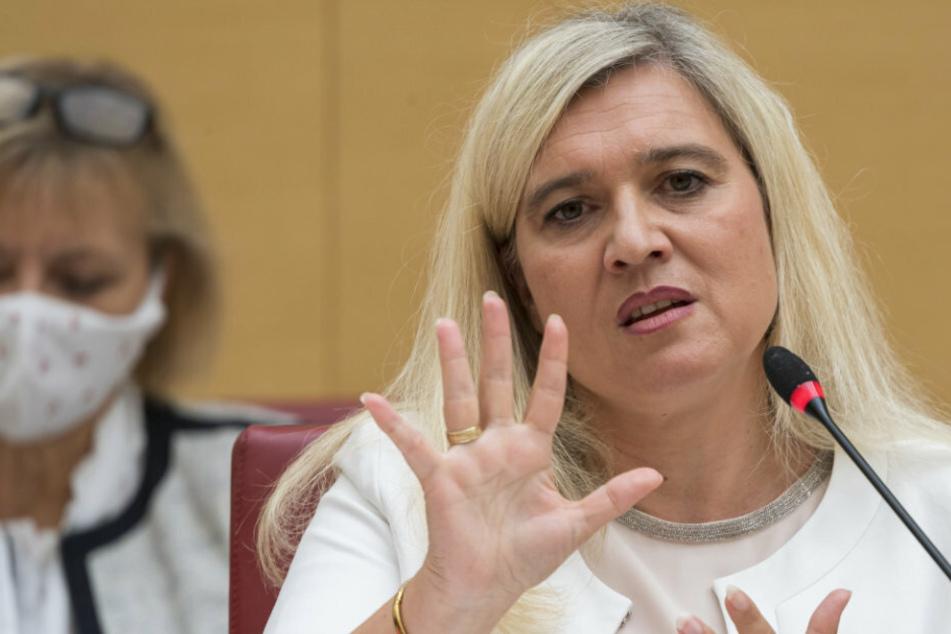 Ist Gesundheitsministerin Melanie Huml (44, CSU) nur noch eine Ressortchefin auf Abruf?