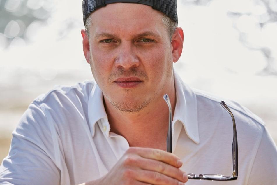 Ein Kandidat ist Gustav (32) aus Paderborn: Da Maxime auf gutes Essen steht, kann der Gastronom das Herz der Kommunikationsdesignerin vielleicht erobern.
