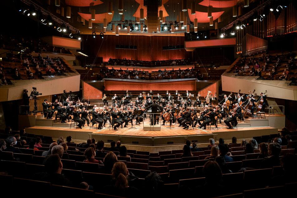 Die Berliner Philharmoniker gaben im März 2021 ein erstes Testkonzert vor rund 1000 Menschen.