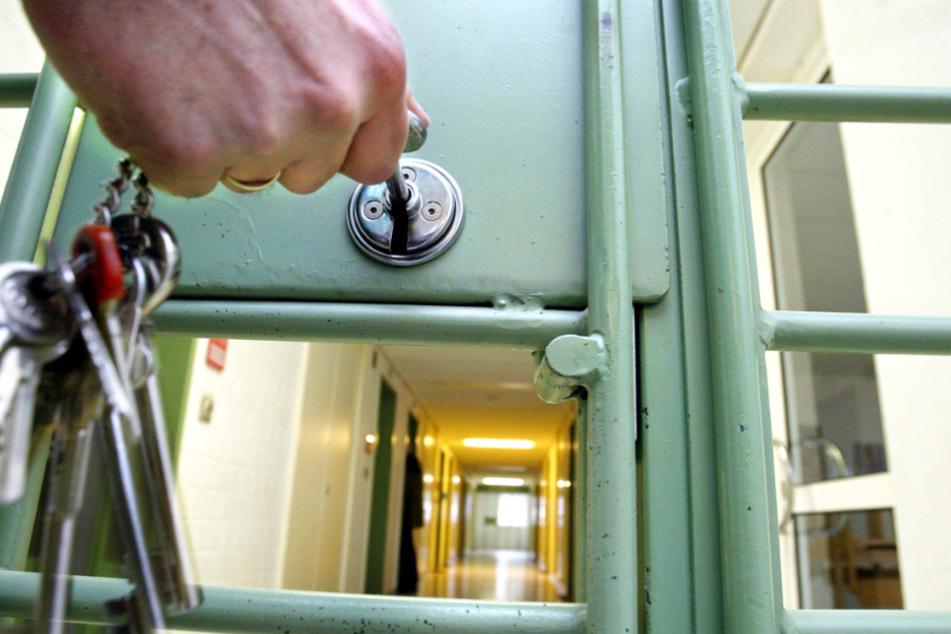 Einen Corona-Fall hat es in den hessischen Gefängnissen angeblich noch nicht gegeben (Symbolbild).