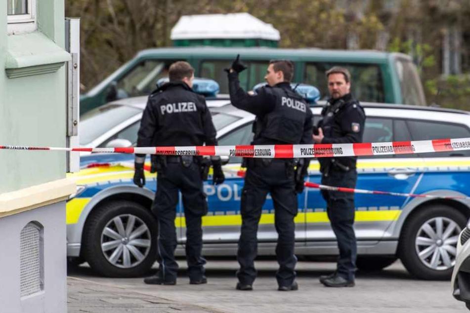 Die Polizei fand in einer Wohnung eine Schreckschusspistole. (Symbolbild)