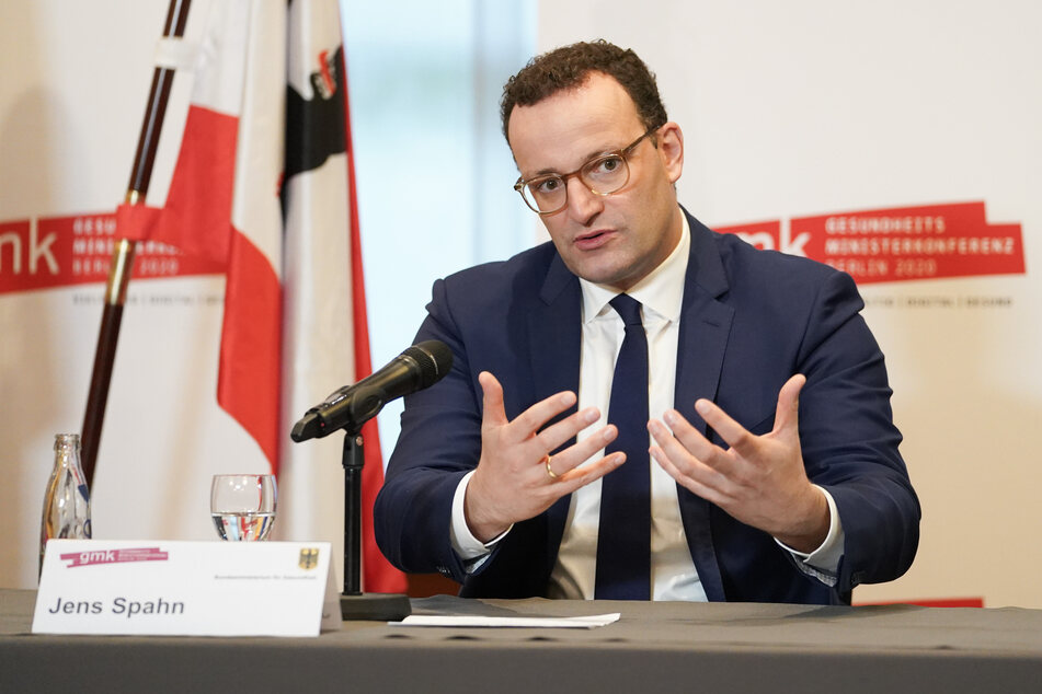 Bundesgesundheitsminister Jens Spahn (CDU) appelliert an die Bevölkerung, die Erfolge in der Corona-Krise nicht zu verspielen.