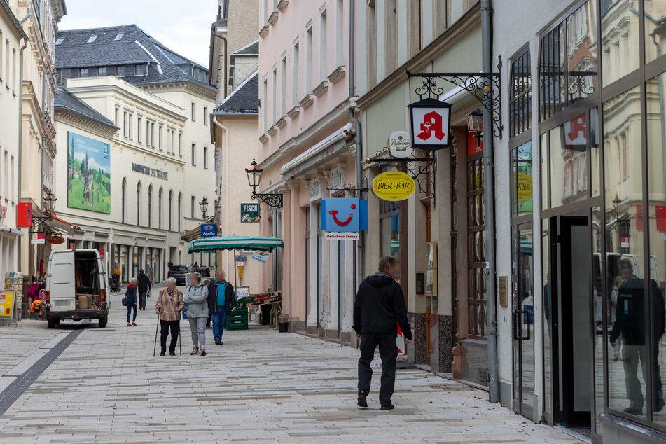 Kaum was los in der Annaberger Innenstadt: Die Geschäfte haben wegen hoher Corona-Zahlen auch weiterhin geschlossen (Archivbild).