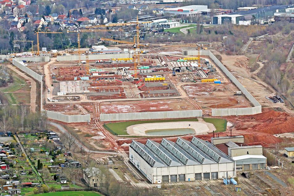 Blick auf die Großbaustelle der neuen Justizvollzugsanstalt in Zwickau. Sachsen und Thüringen bauen sie gemeinsam.