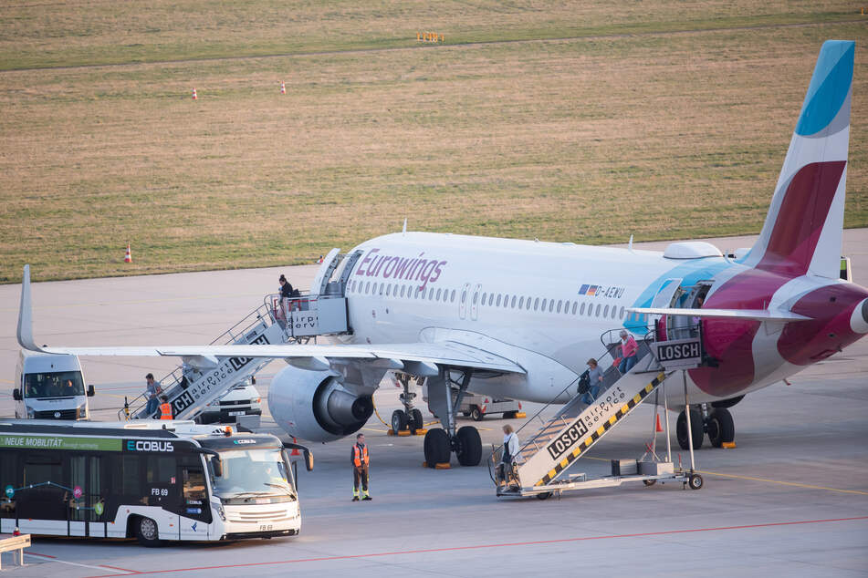 Eurowings verlängert Umbuchungen; Luftbrücke fordert Airlines heraus