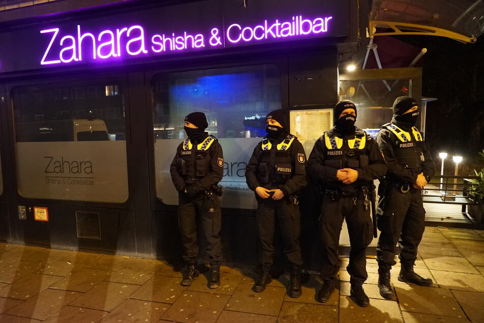 Trotz Lockdown geöffnet: Razzia in Hamburger Shisha-Bar