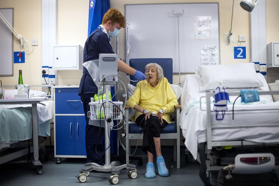 Die Ständige Impfkommission empfiehlt, dass Alten- und Pflegeheimbewohner und Menschen über 80 Jahre zuerst gegen das Coronavirus geimpft werden sollen.
