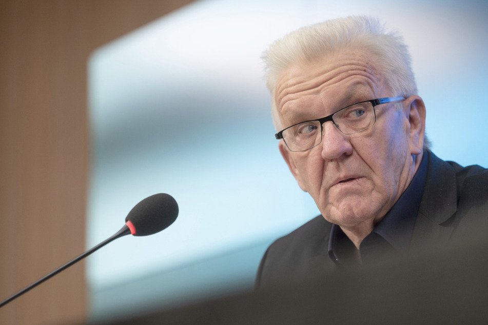 Baden-Württembergs Ministerpräsident Winfried Kretschmann (72, Grüne) bei der Regierungspressekonferenz.