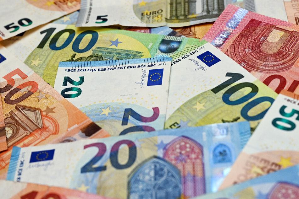 Die Deutschen sorgen sich in der Corona-Pandemie um den eigenen Geldbeutel.