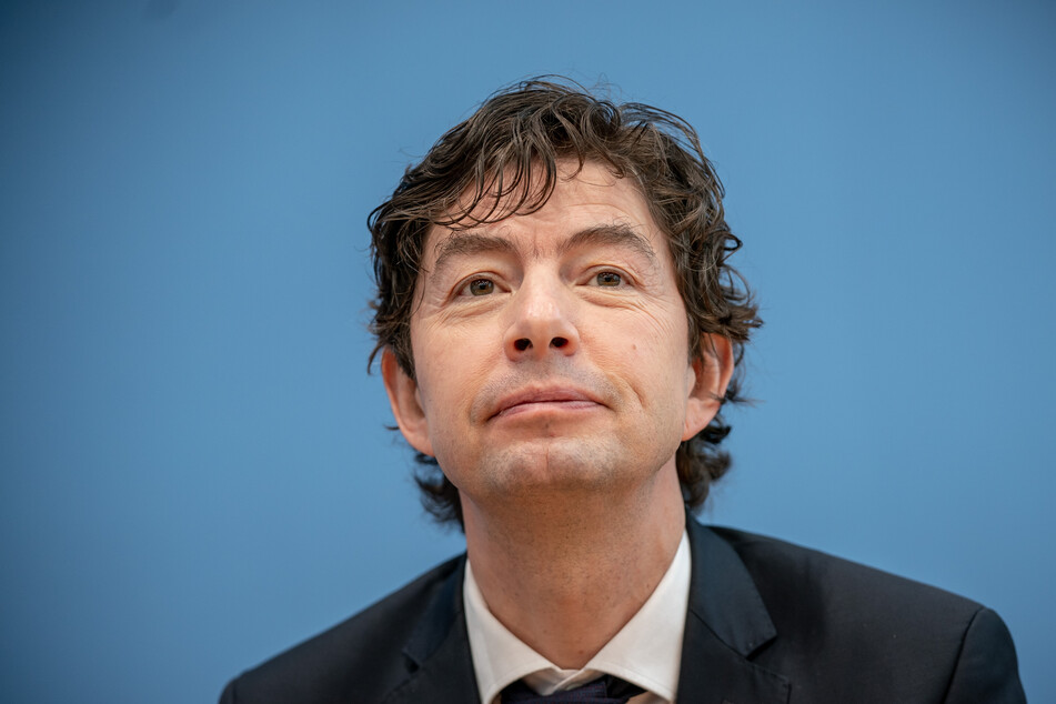 Christian Drosten (49) bekommt am 3. September die Urania-Medaille verliehen.