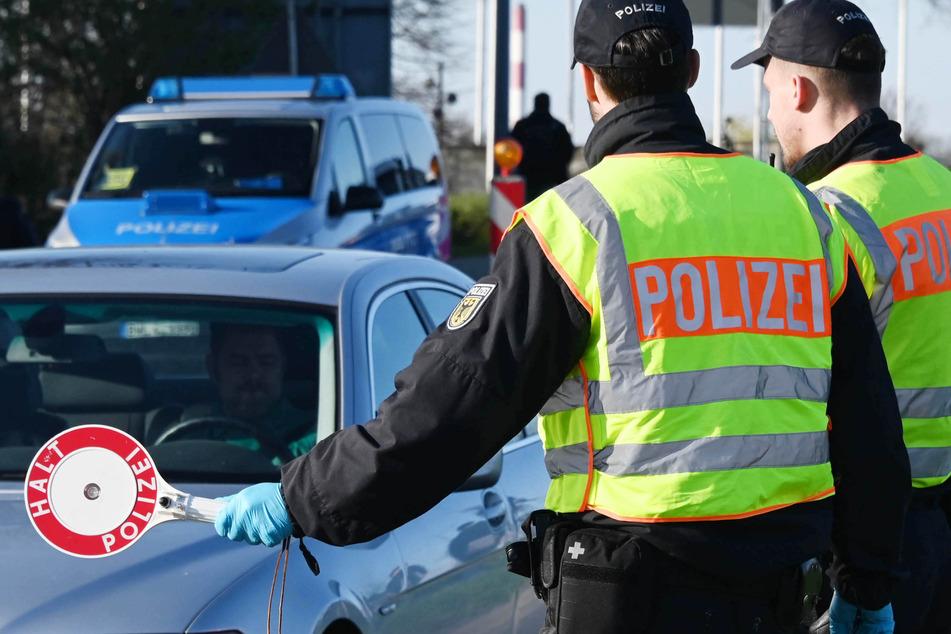 Grenzkontrolle am deutsch-französischen Grenzübergang im baden-württembergischen Kehl.