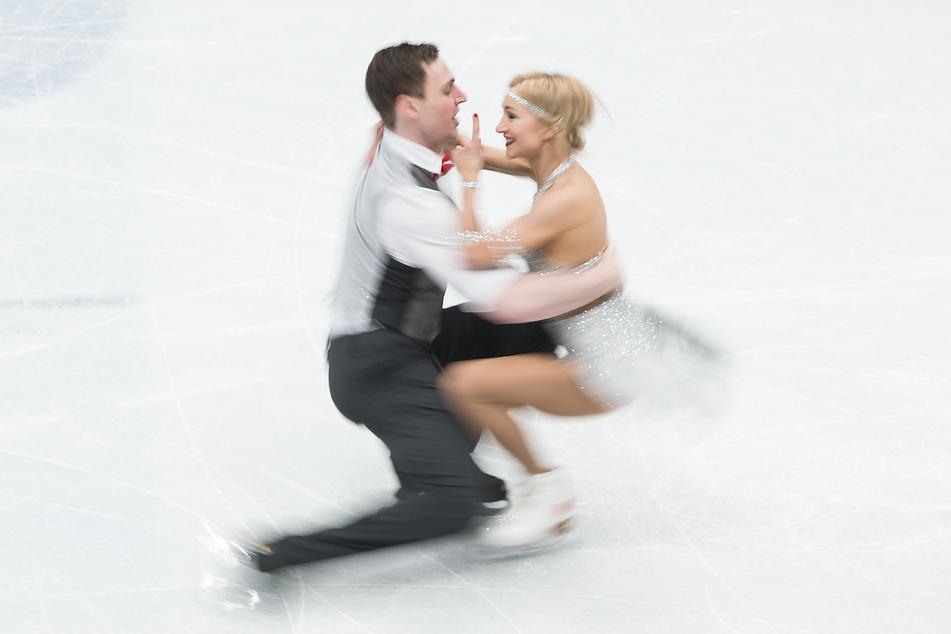 Sie wollten bei Olympia 2022 noch einmal angreifen, doch nun verkündeten Aljona Savchenko (37) und Eiskunstlaufpartner Bruno Massot (32) ihr Karriereende.