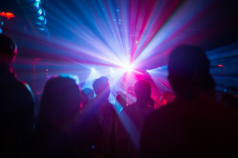 Schon bald soll es wieder erste Partys in Deutschland geben.
