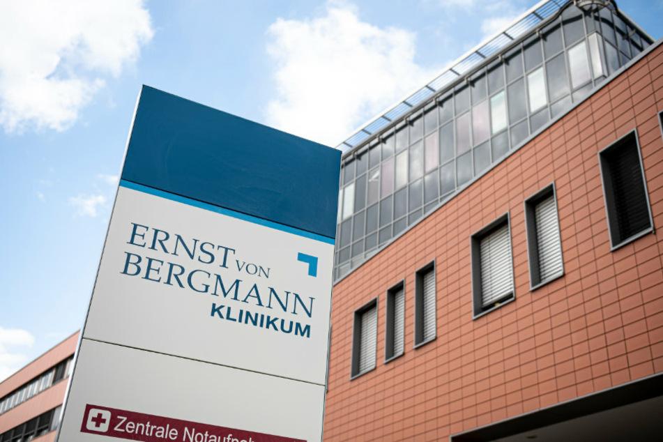 Der Eingangsbereich des Ernst von Bergmann Klinikums.