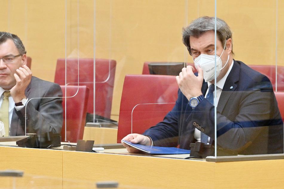 Als Konsequenz aus der Maskenaffäre in der CSU wollen die Regierungsfraktionen das Abgeordnetengesetz des Landtags verschärfen.