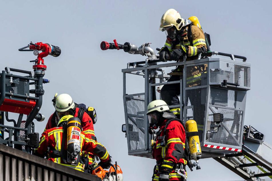 """Großbrand in Finsterwalde: """"Alte Sargbude"""" vermutlich nach Brandstiftung abgefackelt"""
