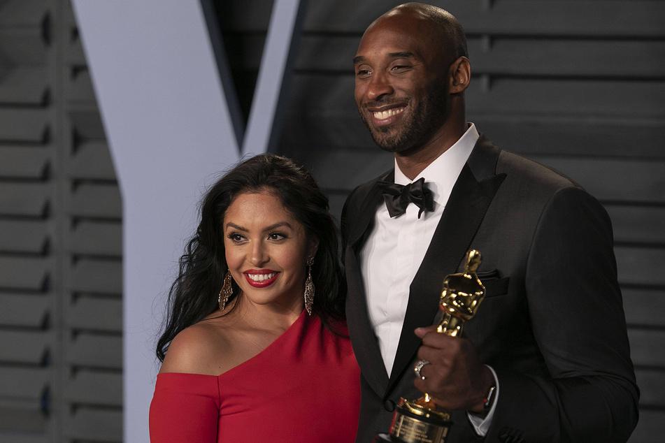 Kobe Bryant (r.) with Vanessa (l.) at the 2018 Vanity Fair Oscar Party.