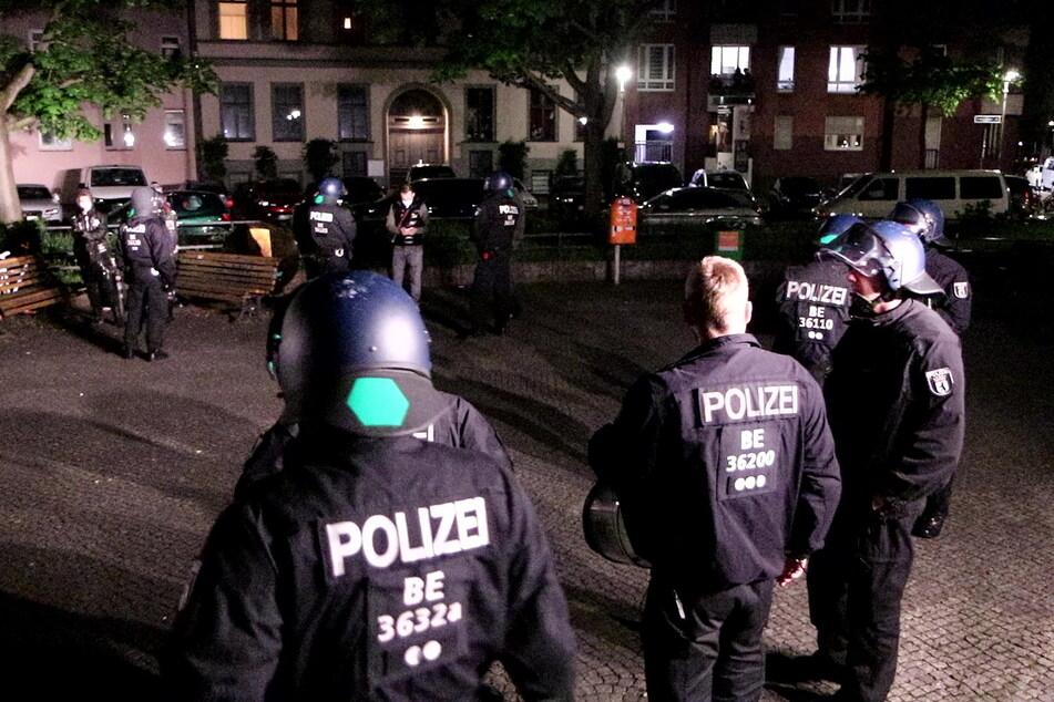 Die Kontrolle einer großen Gruppe am Mariannenplatz in Kreuzberg war plötzlich eskaliert.