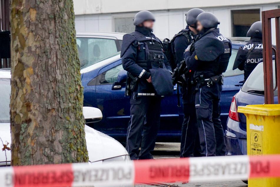 Messerattacke in Flüchtlingsunterkunft: Mann (29) schwer verletzt