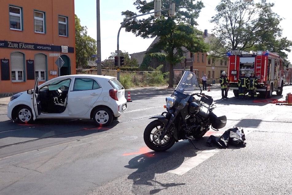 In Magdeburg nahm ein 83-jähriger Autofahrer einem Biker die Vorfahrt.