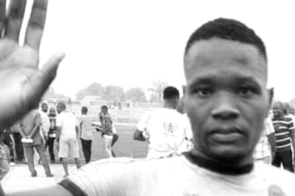 Schrecklich! 22-jähriger Profifußballer stirbt während des Spiels auf tragische Weise